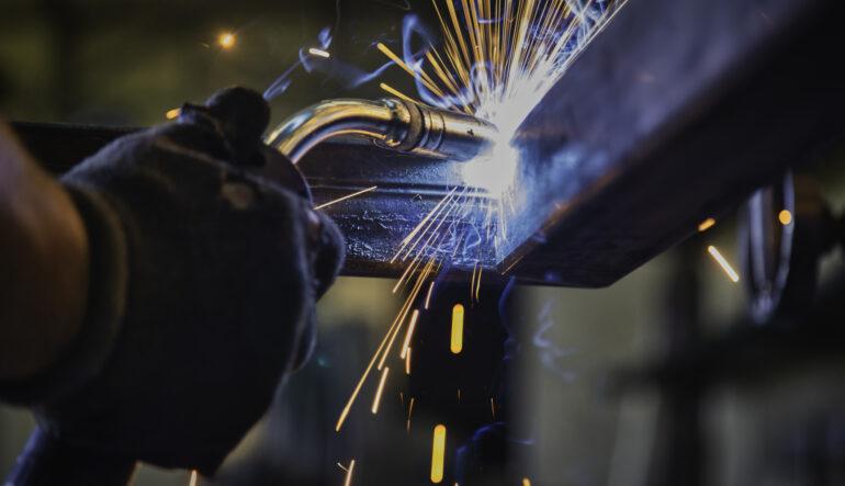 Jak prawidłowo spawać konstrukcje stalowe?